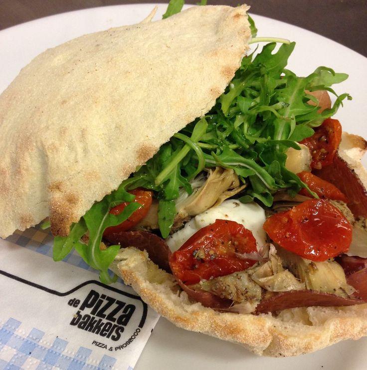 Piadina, bresaola, artichoke, sundried tomatoes, ricotta, rucola #depizzabakkers