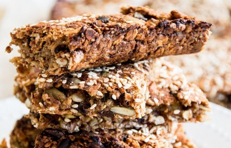 Chewy Good-For-You Granola Bars [Vegan] | One Green Planet