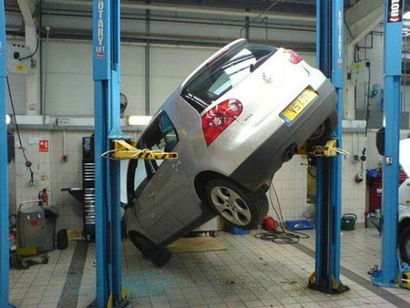 car lift fail automotive pinterest cars car ramp and fails. Black Bedroom Furniture Sets. Home Design Ideas