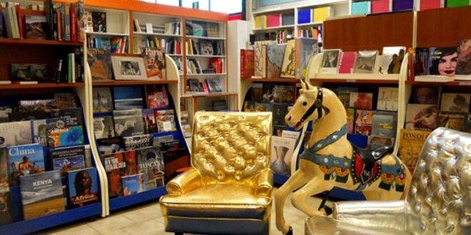 """Angelo Fanelli presenta """"Il Letto Volante"""" alla Libreria Grande a Ponte San Giovanni"""