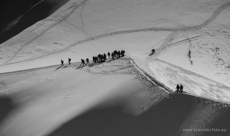 On the crossroads. The Alpes, France. #mountainphotography