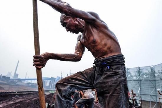Steel migrant workers