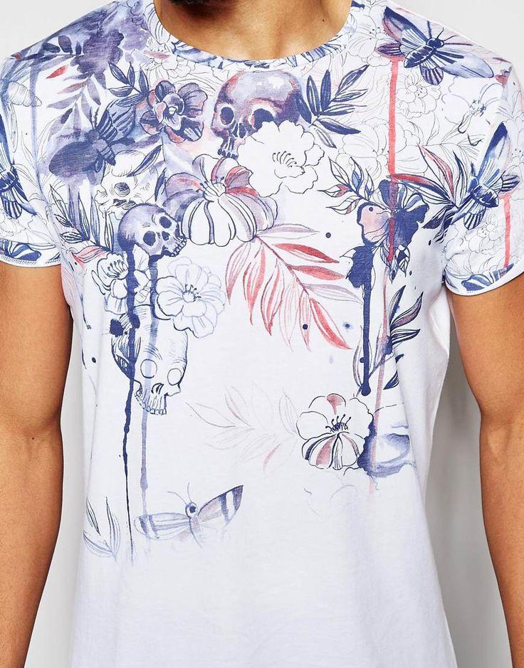 Imagen 3 de Camiseta con estampado macabro de flores y calaveras con mangas enrolladas de ASOS