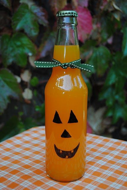 Cute drink: Halloween Parties, Halloween Drinks, Pumpkin, Drinks Recipes, Kids Crafts, Jack O' Lanterns, Jack O'Connel, Sodas Bottle, Autumn Crafts