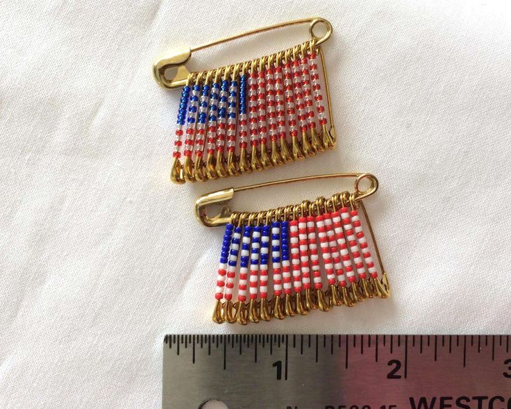 American Flag Pin  Handmade Beaded Flag Pattern Safety Pin Flag Birthday Gift Lapel Pin USA Flag Pin by FlagPinsbyAnnette on Etsy
