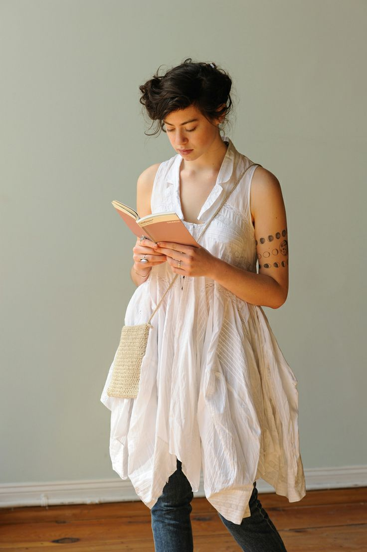 le petit sac: Libraries, Knits Inspiration, Floors, The Small, Dresses, Small Bag, Linens Sparrow, Flower, Baseboards