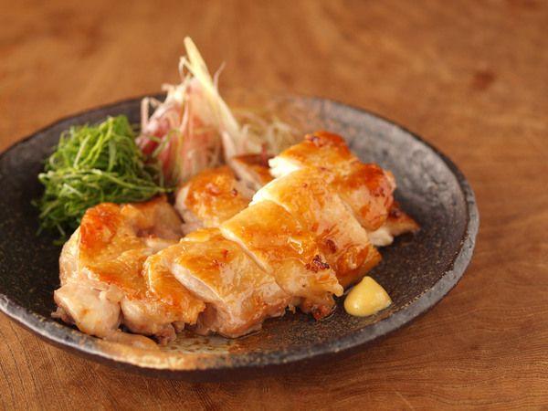 鶏もも肉の塩辛焼き|【保存版】お弁当も夕飯のおかずもこれさえあれば!鶏もも肉の人気レシピ30選 | おとデパ