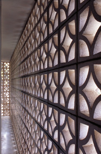 Patterned concrete block walls... a mid-century staple #concrete block #mid century
