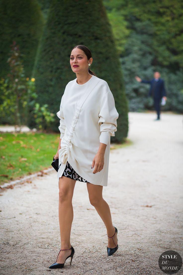 Paris SS 2017 Street Style: Marion Cotillard