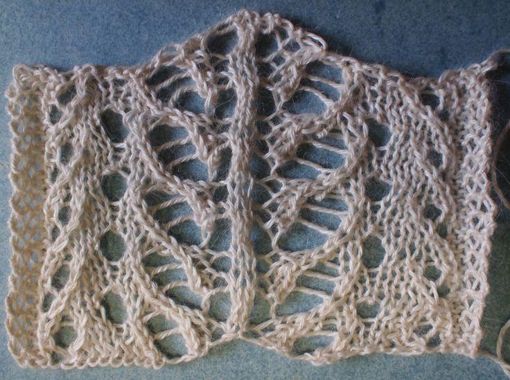 Iceberg: a free lace knitting stitch pattern