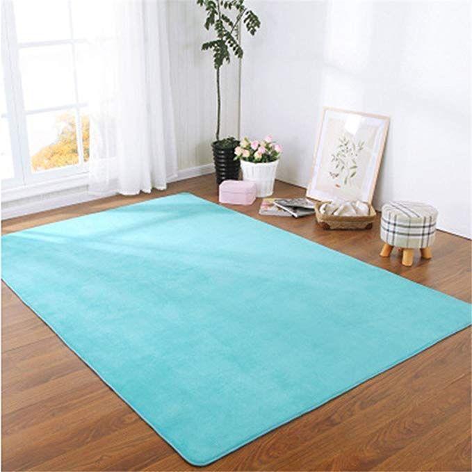 tapis moderne bleu ciel pour salle de