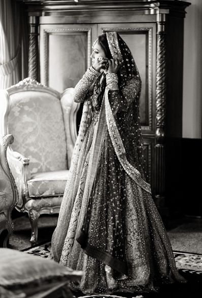 Black and white beauty! | Pakistani Bride | Photography by Salwa