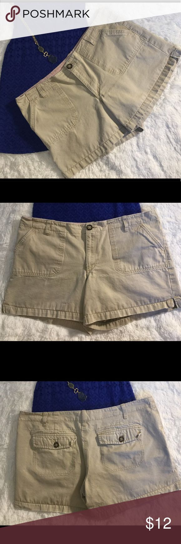 Women's khaki shorts size 12 Old Navy distressed These stylish comfy shorts measure approx 36x5 they are a women's size 14 in excellent condition free from any rips, stains or discoloration and comes from a smoke free home.  Buy with confidence I am a top rated seller, mentor and fast shipper.  Don't forget to bundle and save.  Thank you. Old Navy Shorts