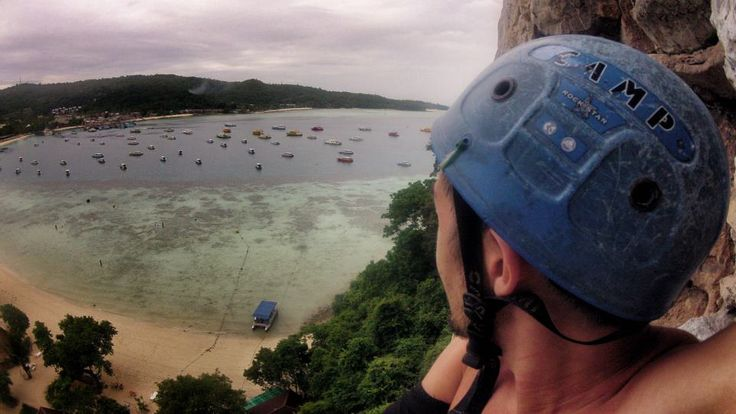 PAST DAY 35 // Koh Phi Phi / Rock Climbing... #thailand #island #paradise #rockclimbing #kohphiphi #phiphi #travel #backpacking #asia #beach #mountain #adventure #sixvaser #vagabonding