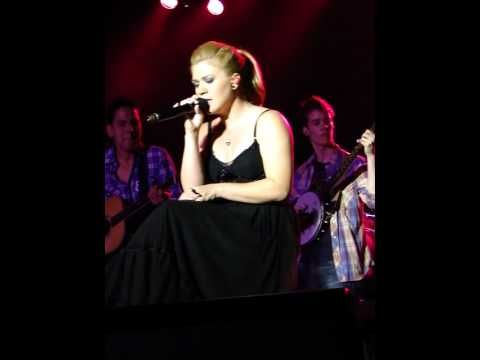 ▶ Kelly Clarkson - Wide Open Spaces- Ironstone Winery (Murphy CA) 7/28/12 - YouTube