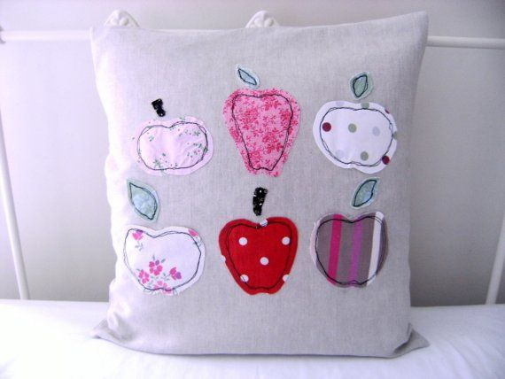#redapples freehand machine embroidered pillow cover! This is great inspiration for me as I'd love to try this technique. Just beautiful!