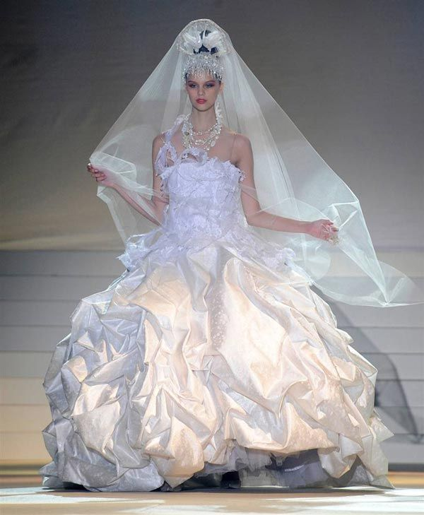 Modern Wedding Dresses Brides Pics Curious Funny Photos