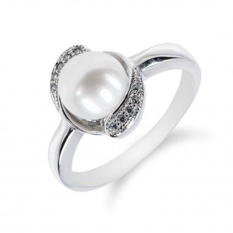 Stříbrný prsten s perlou a obvodem ze zirkonů