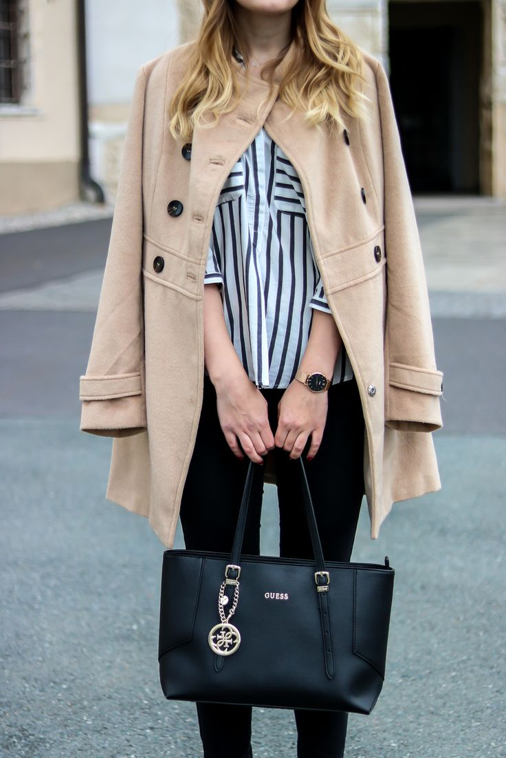 Der Camel Coat - ein sehr beliebter Modeklassiker der in keinem Kleiderschrank fehlen sollte. Street Style Kombination