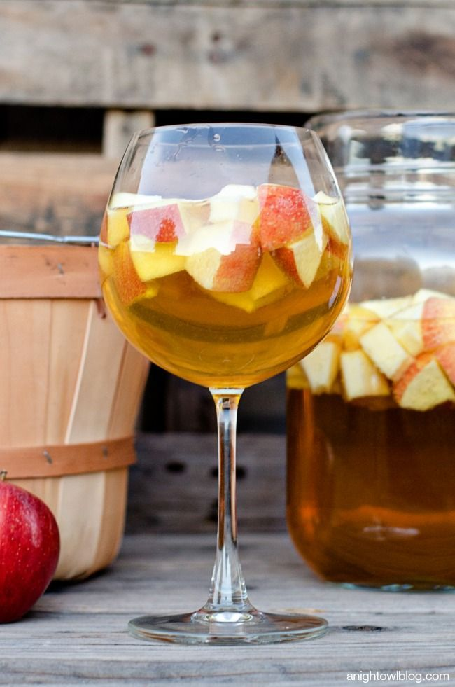 Caramel apple sangria recipe caramel apple sangria for Cocktail recipes with white wine