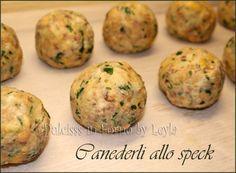 Una ricetta tipica dell'Alto Adige: i Canederli allo speck. Sfiziosissimi. Da provare come primo piatto o come accompagnamento ad un'insalata o a spezzatino