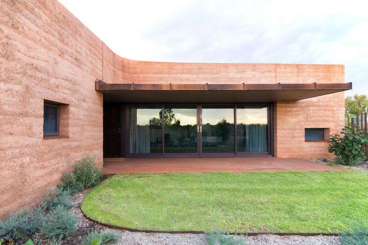 Premier Prix international des architectures contemporaines en terre crue : les TerraAwards.