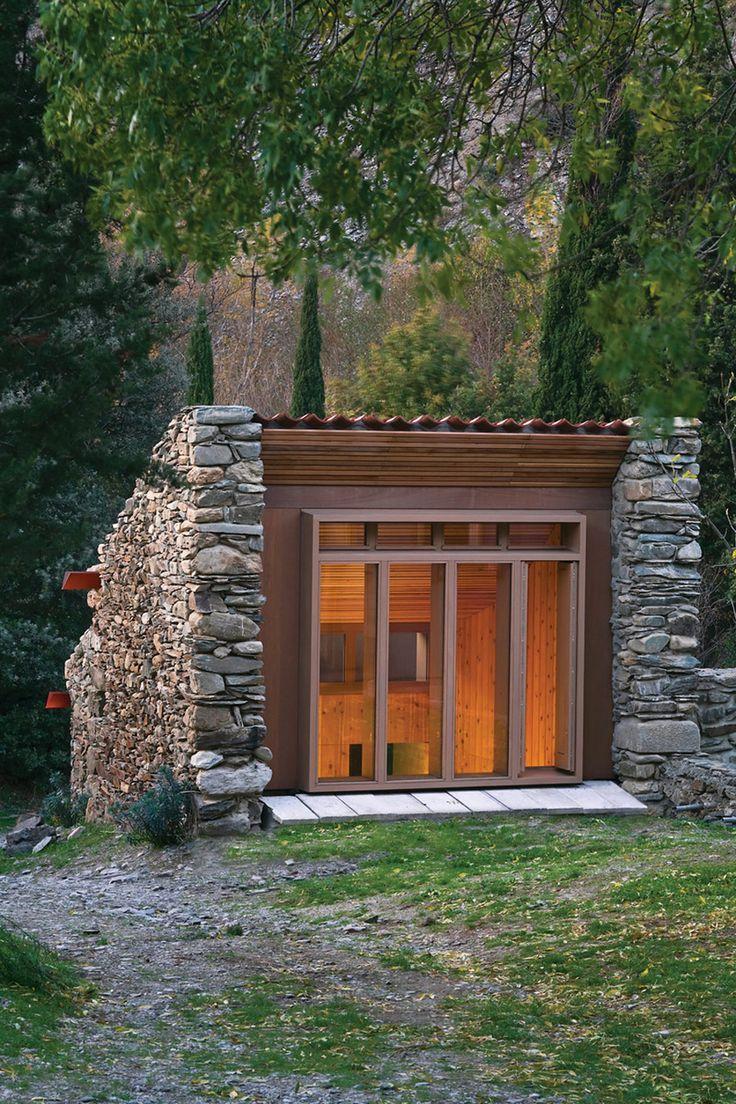 Small cabin built into the hillside -- Outdoor Sauna design