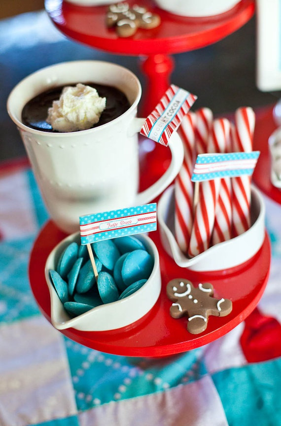 HOT CHOCOLATE Bar Decor Set