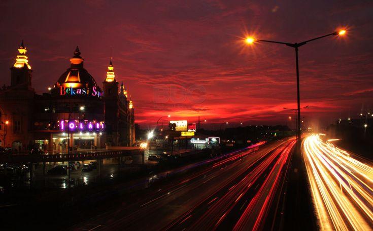Bekasi Square Petang Hari - Bekasi Square at Night