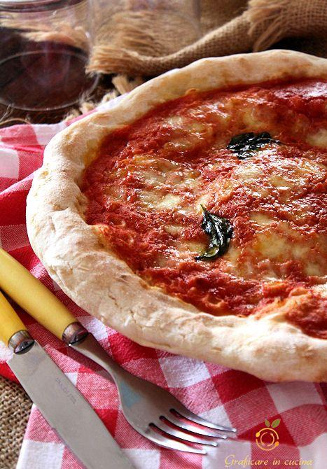 Pizza napoletana come in pizzeria