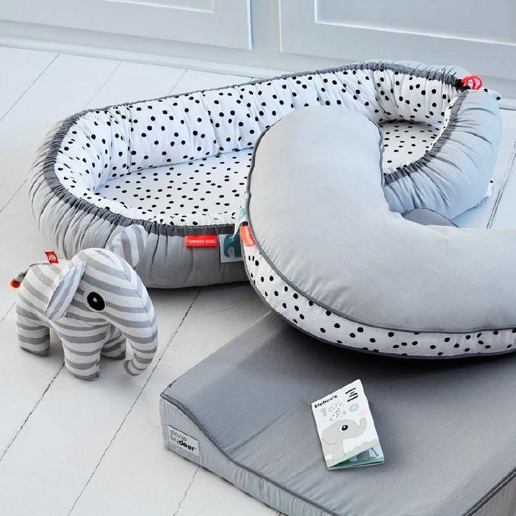 Dots Cozy Baby Nest - Grijs - Done by Deer bij Grasonderjevoeten.nl