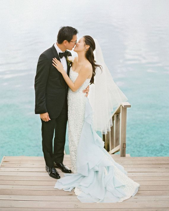This Bride Wore A Baby Blue Oscar De La Renta Gown To Her Destination Wedding In The Maldives Dress Matched Light Hue Of Ocean