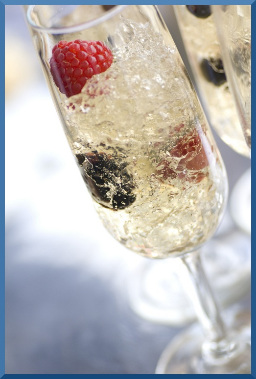 Gelatina frizzante di Champagne e lamponi