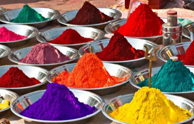 With the bright oranges, purples yellows and every colour in between, these spices produce the explosion of colour that makes a great photographic opportunity.