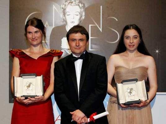 """Palmares Cannes: """"După dealuri"""" obţine Premiul pentru scenariu şi Premiul de interpretare feminină"""