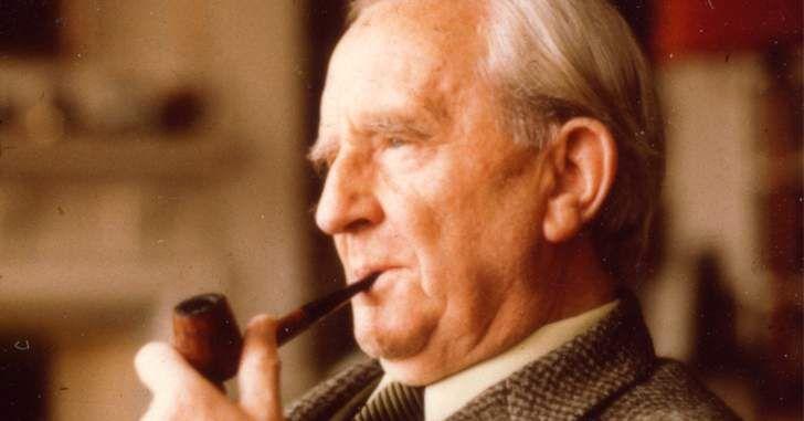 OLHA ESSA FERA, BICHO! Um dos maiores ícones da literatura mundial pode ganhar um filme biografia em breve e trazer como estrela um ator que já está acostumado a interpretar um grande gênio. De acordo com o site Deadline, o ator Nicholas Hoult poderá interpretar J.R.R Tolkien, o criador de Senhor dos Anéis e O …