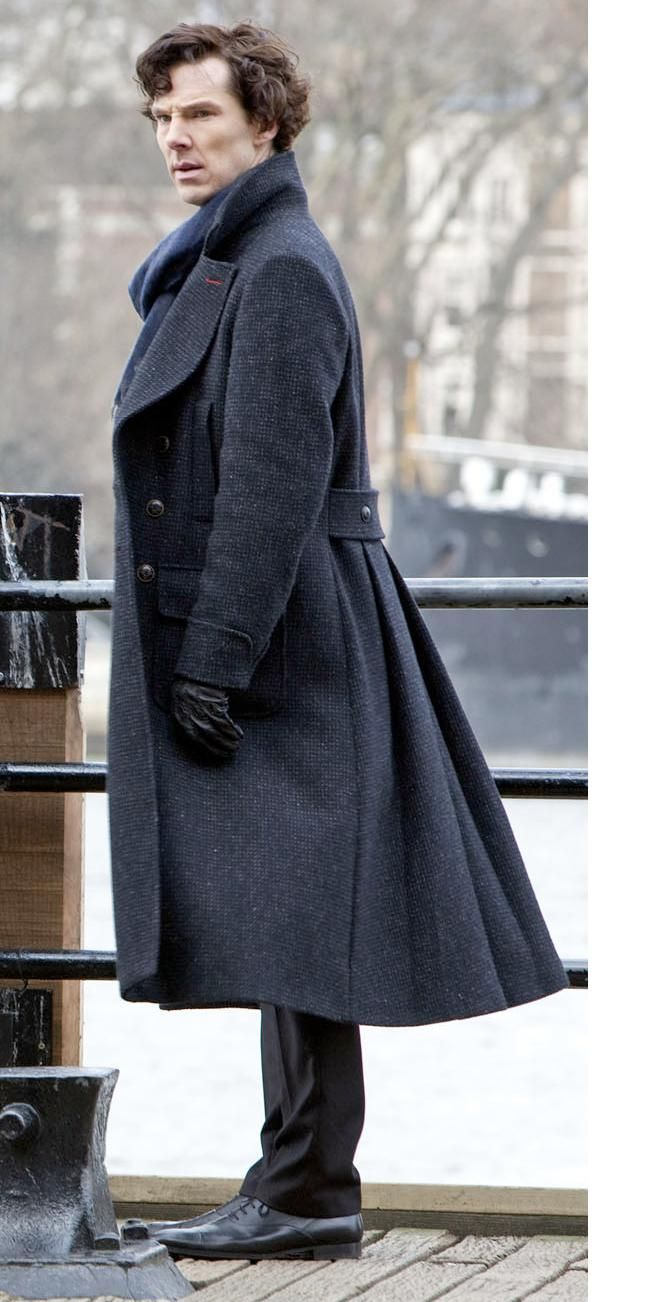 Heavens, what an awesome coat. Benedict Cumberbatch as Sherlock Holmes in Sherlock.