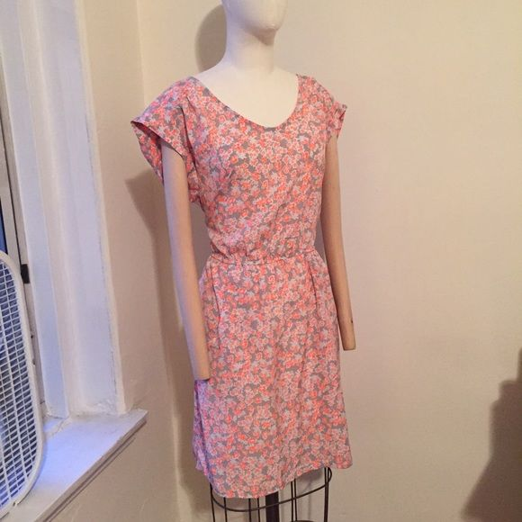 Gap flower pattern short dress pink gray New with tags. Size large. Probably a 10-12 size. Waist line stretches GAP Dresses