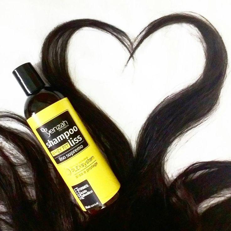 Estou in love 💛 pelo lançamento da Yenzah. Agora ficou fácil deixar os cabelos mais lisos, o Whey Fit Liss é um shampoo alisante que promove o realinhamento capilar imediato de forma prática e rápida. A @mulheryenzah arrasou 👏👏👏👏 #wheyfitliss #yenzahmeinspira #hearthair