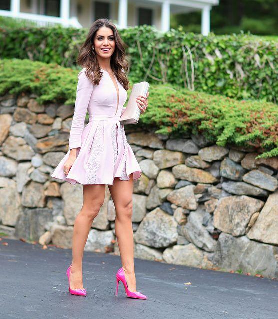 Mini-vestido e scarpin rosa