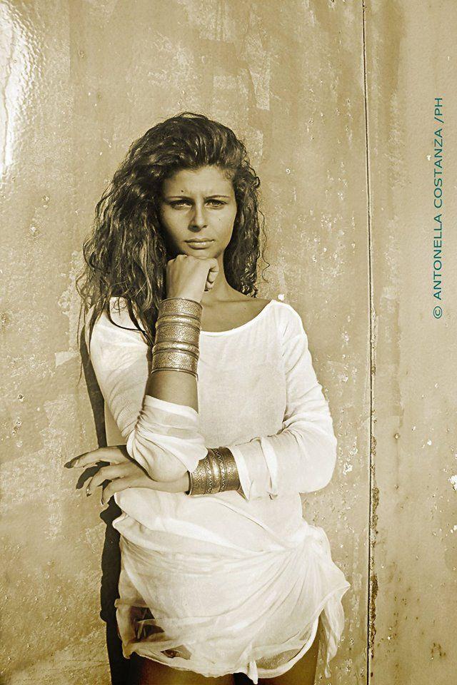 """titolo: L'Età dell'Oro Foto di Antonella Costanza """"Art"""" model : Pia"""