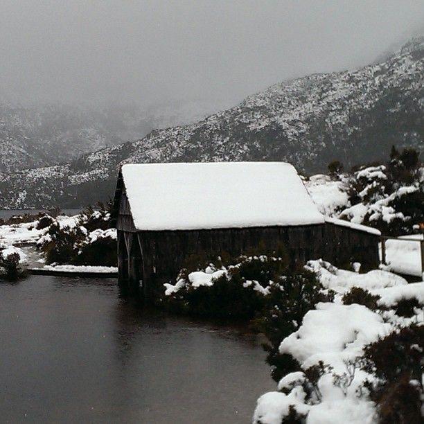 The boat shed at Dove Lake in the snow via http://buff.ly/1zxcUuw?utm_content=bufferbc0e7&utm_medium=social&utm_source=pinterest.com&utm_campaign=buffer #Tasmania