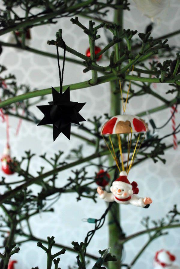 DIY Christmas, and a quite original pair of Christmas trees / Casa Haus