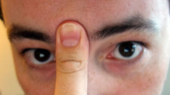 another pinner said Clear Your Sinuses in 20 Seconds  Push your tongue against the top of your mouth and place a finger between your eyebrows and apply pressure. Hold it for about 20 seconds and your sinuses will begin to drain.