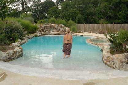 48 stunning backyard beach pool design ideas (36)