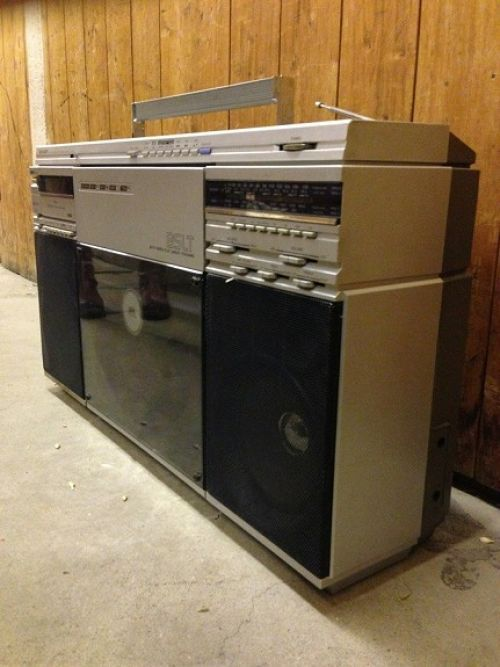 Ghettoblaster Sharp Vz-2500 (Elektronikk Og Hvitevarer, Lyd Og Bilde, Stereoanlegg Og Radio)