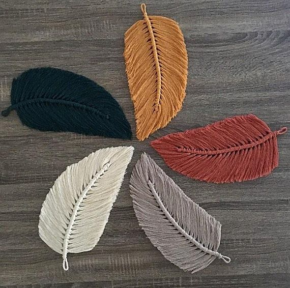 Grande Macram 233 Feather Wall Charm Feuille Automne