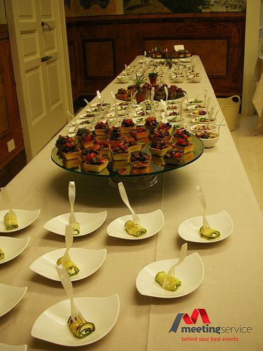 Finger food a km zero. #fingerfood #kmzero #aperitivo #buffet #regionalfood #event #eventplanner #congress www.mseventi.com