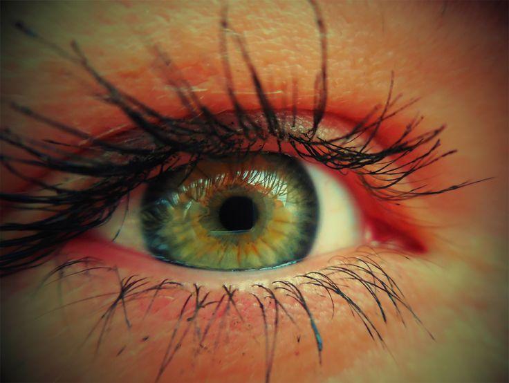 Eilin - right eye with toy camera effect