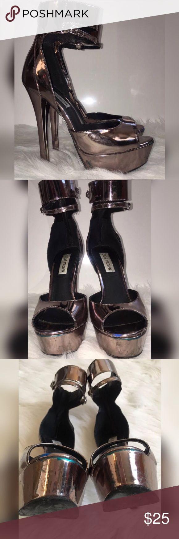 Worn Steve Madden Faymuss Metallic High Heels 8 M Worn Steve Madden Faymuss Metallic Gun Metal High Heels sz 8 M Steve Madden Shoes Heels